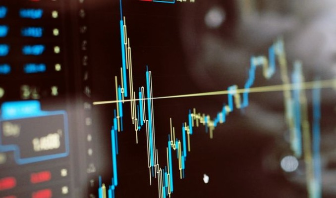 Hisse fiyatları yüksekken yatırım yapılmalı mı?