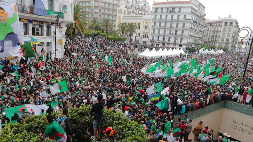 Cezayir'deki gösteriler 4. cuma gününde devam ediyor